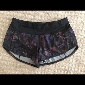 Lululemon Speed Up Shorts (Size 2)